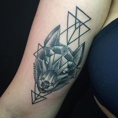 Geometric Wolf || tattoo for @Saoirselynch__ || tattoo by @aidovich88 || ink by @allaprimaink #vegan