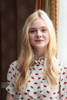 Celebrities - Elle Fanning Photos collection You can visit our site to see other photos. Pretty People, Beautiful People, Dakota And Elle Fanning, Actrices Hollywood, Celebs, Celebrities, Girl Crushes, Pretty Woman, Cute Girls