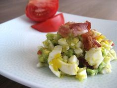 Bacon, Egg and Avocado Salad - Low Carb, Gluten Free