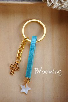 Key Rings, Art Projects, Diy And Crafts, Personalized Items, Business Ideas, Wire, Christening, Key Fobs, Souvenirs