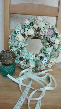 Summer Wreath, Topiary, Vintage Cards, Door Wreaths, Floral Arrangements, Fall Decor, Diy And Crafts, Projects To Try, Christmas Decorations