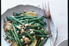 Lemon-Roasted Green Beans with Marcona Almonds / Con Poulos