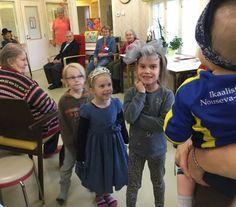Leppiksen lapset vanhustenviikolla Nikulassa