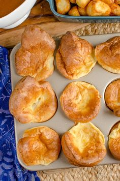 Slimming Eats 1 Syn Yorkshire Puddings - dairy free, vegetarian, Slimming World and Weight Watchers friendly Slimming World Yorkshire Pudding, How To Make Yorkshire Pudding, Yorkshire Pudding Recipes, Slimming World Dinners, Slimming Eats, Slimming World Recipes, Syn Free Gravy, Green Vegetarian, Roast Dinner