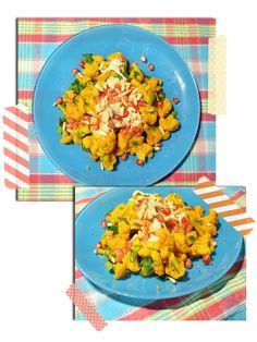 Yellow cauliflower with pomegranate and mint -> http://sarahskrisenherd.blogspot.de/2013/01/gute-vorsatze-fur-2013.html