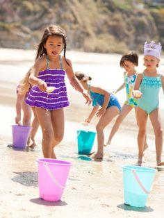 Water bucket race game
