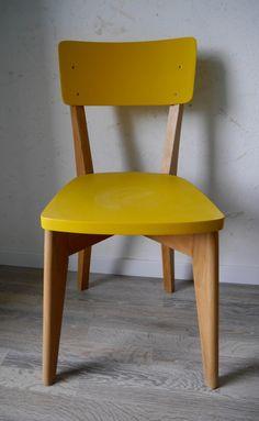 Chaise de bistrot vintage relookée de la boutique Gigisweetvintage sur Etsy