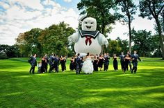This wedding pic is too funny.