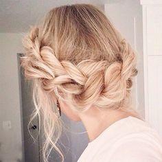 Inspiração de penteado que amamos   #instafashion #style #instablog #hair #hairdo #instahair #blond #inspiration #inspiracao #modaparameninas #clean #love #braid