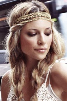 Headbands – coiffure de mariée hippy chic - For Women Bohemian Hairstyles, Loose Hairstyles, Headband Hairstyles, Girl Hairstyles, Wedding Hairstyles, Boho Chic, Chic Chic, Hippie Hair, Look Boho