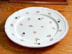 Villeroy and Boch Plate Petit Fleur Dinner by ToadSuckTreasures