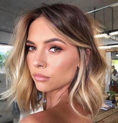 [New] The 10 Best Hairstyles Today (with Pictures) - Balayage inspo . - [New] The 10 Best Hairstyles Today (with Pictures) – Balayage inspo . [New] The 10 Best Hairstyles Today (with Pictures) – Balayage inspo . Blonde Hair With Highlights, Brown Blonde Hair, Balayage On Short Hair, Winter Blonde Hair, Colored Short Hair, Short Hair Colour, Short Hair Blowout, Blonde Ombre Short Hair, Balyage Long Hair