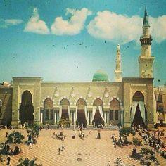 makkahx's photo on Instagram Islamic Images, Islamic Pictures, Islamic Art, Old Pictures, Old Photos, Mecca City, Mecca Madinah, Al Masjid An Nabawi, Medina Mosque