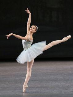 Lauren Lovette in Ge - Lauren Lovette in George Balanchine's Raymonda Variations (Paul Kolnik courtesy NYCB) --- Ballet Images, Ballet Pictures, Dance Pictures, Ballet Girls, Ballet Dancers, Ballerinas, Shall We Dance, Just Dance, George Balanchine