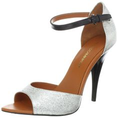 A stylish Ellie pump to give you a perfect look for your dress