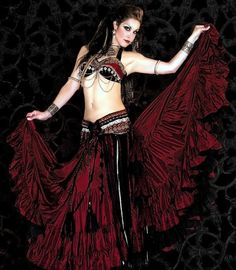 Tribal belly dance! I just love her look.