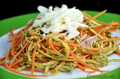 "Carrot-Parsley ""Noodles"" with Basil Pesto Healthy Cooking, Healthy Recipes, Vegetable Noodles, Basil Pesto, Healthy Vegetables, Mets, Afternoon Snacks, Learn To Cook, Vegetarian"