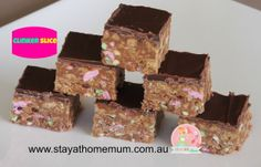 This Original Clinker Slice recipe combines the best of slices with clinkers, what more could you ask for? Great for school fetes and fairs as it is a favourite! Yummy Treats, Delicious Desserts, Sweet Treats, Yummy Food, Healthy Food, Baking Recipes, Snack Recipes, Dessert Recipes, Crowd Recipes