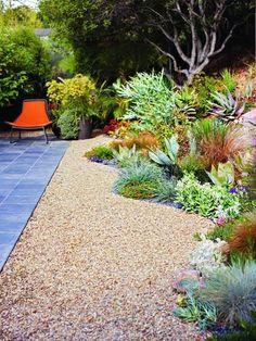 A gorgeous California no-lawn garden -- love that curvy border of succulents and grasses! Hooray for xeriscaping! Dry Garden, Gravel Garden, Lawn And Garden, Pea Gravel, Garden Bed, Garden Farm, Corner Garden, Garden Cottage, Garden Paths