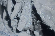 """Ambiente: Nasa, l'artico si sta sciogliendo, ghiaccio ai minimi storici [FOTO/VIDEO] . Gli esperti del National Snow and Ice Data Center e la NASA, hanno annunciato il nuovo record per il Polo Nord, il ghiaccio Artico è ai minimi storici"""""""