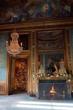 JOELIX.com | Christmas at Château de Vaux le Vicomte French castle chimney fire