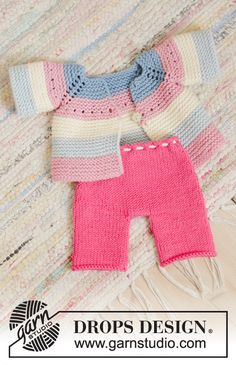 Daytime Cora / DROPS Children - Free knitting patterns by DROPS Design - Baby clothing boy, Baby clothing girl, Gender neutral and baby clothing Knitting Dolls Clothes, Baby Doll Clothes, Doll Clothes Patterns, Doll Patterns, Clothing Patterns, Baby Knitting Patterns, Baby Knitting Free, Drops Design, Baby Pullover