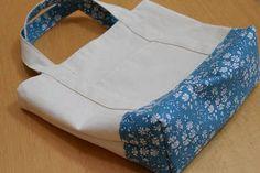 Crochet ideas that you'll love Jute Bags, Bag Patterns To Sew, Denim Bag, Popular Pins, Sewing Tutorials, Fabric, Handmade, Crochet Ideas, Schedule