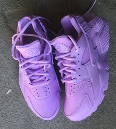 This Lavender Purple Nike Huarache Customs is just one of the custom, handmade pieces you'll find in our sneakers & athletic shoes shops. Sneaker Outfits, Sneakers Fashion Outfits, Women's Shoes, Cute Shoes, Shoe Boots, Shoes Style, Nike Huarache, Purple Sneakers, Purple Nikes