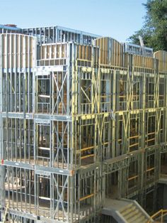 Steel framework represents a hi-tech, high-efficiency construction method. Steel Building Homes, Metal Building Kits, Shed Building Plans, Concrete Building, Building Systems, Steel Frame Construction, Construction Cost, Steel Structure Buildings, Metal Structure