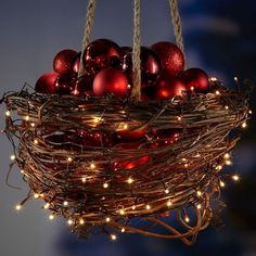 Make Christmas decorations for yourself - 18 Advent decorations .- Weihnachtsdeko für aussen selber machen – 18 Adventsdeko Ideen DIY Advent-glass balls do it yourself-Basket-grazing tendril-light string of red- - Diy Christmas Lights, Christmas Porch, Outdoor Christmas Decorations, Christmas Centerpieces, Winter Christmas, All Things Christmas, Christmas Wreaths, Christmas Ornaments, Christmas Balls