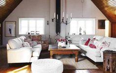 Future Domestic Goddess: white sofas?