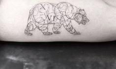Finísimos tatuajes geométricos de Dr. Woo