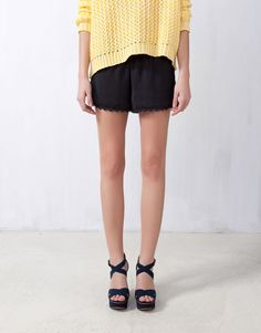 :SHORTS WITH ELASTICATED WAIST