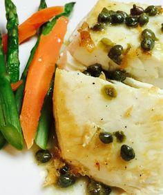 Filete de Pescado con Salsa de Mantequilla y Limon, excelente receta para cocinar en la hornilla y luego terminar en el horno.