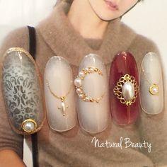 Burgundy and gold nail Gorgeous Nails, Love Nails, Pretty Nails, Cross Nails, Kawaii Nails, Japanese Nail Art, Nail Games, Stylish Nails, Creative Nails