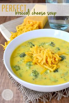 Perfect Broccoli Cheese Soup is perfectly thick, creamy, and cheesy. The ultimate comfort food! Thanks Iowa Girl Eats! Pasta E Fagioli Soup, Soup Recipes, Cooking Recipes, Chili Recipes, Free Recipes, Broccoli Cheese Soup, Broccoli Cheddar, Soup And Sandwich, Soup And Salad