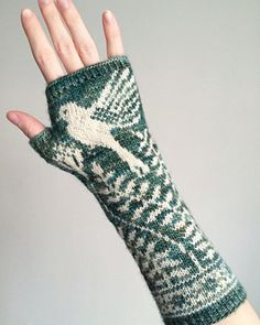 Knitting Patterns Gloves Ravelry: Mayfield Mitts pattern by Erica Heusser Knit Mittens, Knitted Gloves, Knitting Socks, Knitted Mittens Pattern, Knitting Charts, Knitting Patterns, Fingerless Mitts, Fair Isle Knitting, Knitting Accessories