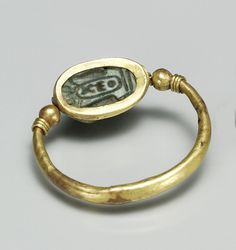 Ring set with a Mouse Design Amulet Egyptian Jewelry, Ancient Jewelry, Ancient Egypt, Ancient History, Historical Art, Hair Jewelry, Jewellery, Bracelet Watch, Vintage Jewelry