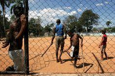 Детская бейсбольная площадка в Сантьяго-де-Куба. В кубинских городах они на каждом шагу.