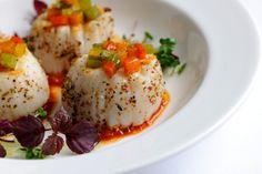 ... ALLO 2014 da Quinta do Soalheiro com Robalo em crosta de ervas e mostarda, tempura de camarão... ... ALLO 2014 with bass in herb crust and mustard, shrimp tempura ...