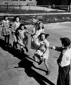 Kids jumping rope. By Ralph Morse, New York, 1947.