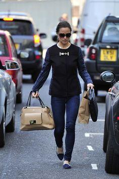 Pippa Middleton - Pippa Middleton Runs Errands in London