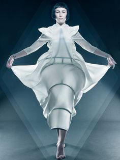 Wearable Art, Julia Krantz, Fashion Designer, Dress, translucent fabrics draped over metal frames