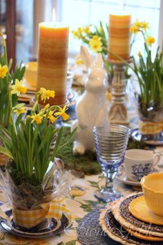 Yellows and blues look sooo pretty together, a deep cobalt blue & white printed tablecloth would look much nicer, leaving the yellow as an accent.