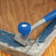"""24150 - Handled Carbide Scraper - Works well on tough jobs like scraping old exterior paint before repainting and also on more """"delicate"""" surfaces like removing glue from fine wood."""
