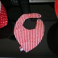 Patron à télécharger et explications pour réaliser un bavoir-bandana.