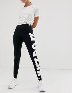 Browse online for the newest Nike black high rise just do it leggings styles. Shop easier with ASOS' multiple payments and return options (Ts&Cs apply). Latest Fashion Clothes, Fashion Online, Just Do It Leggings, Modern Color Palette, Nike High, Asos Online Shopping, Black Nikes, Vsco, Sportswear