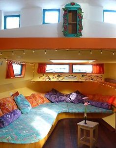 an amsterdam houseboat.  Links to a website with many houseboat and studio accommodations.