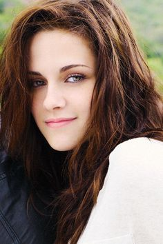 Kristen Stewart #actress #filmmaking http://pacificwestmotionpictures.com/