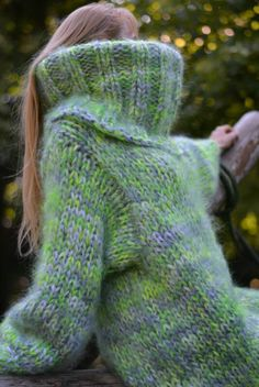 I wish I could hug her so much Fluffy Sweater, Mohair Sweater, Wool Scarf, Thick Sweaters, Women's Sweaters, Extreme Knitting, Funny Sexy, Catsuit, Fingerless Gloves